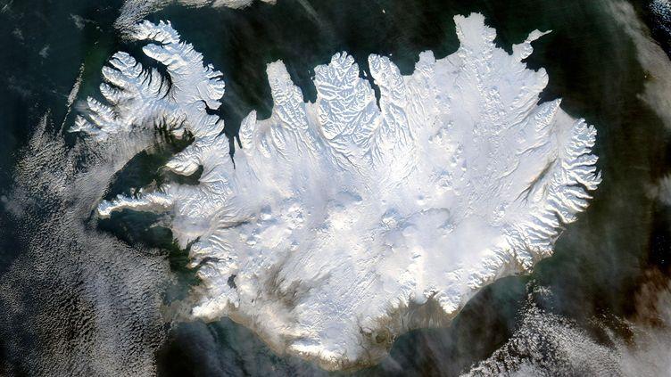 Vue satellite de l'Islande, le 28 janvier 2004. (ANN RONAN PICTURE LIBRARY / AFP)