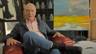 """Le professeur Jean-Bernard Fourtillan, dans le documentaire controversé """"Hold-up"""" (CAPTURE D'ÉCRAN / VIDÉO HOLD-UP)"""
