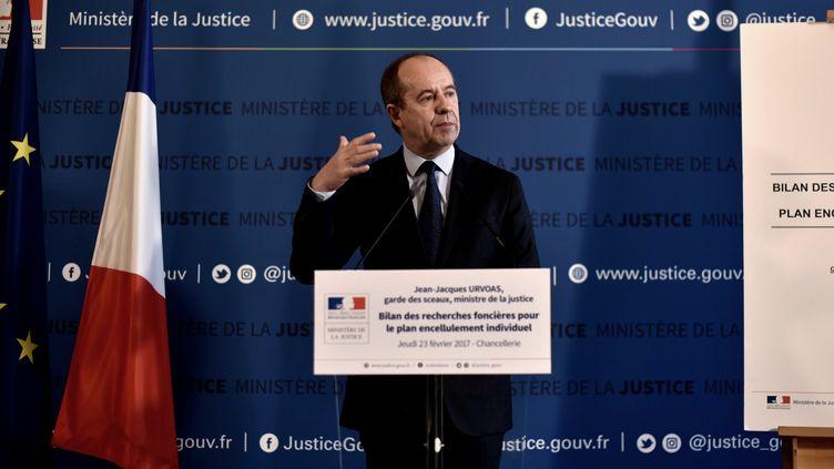 Jean-Jacques Urvoas, lors d'une conférence de presse au ministère de la Justice, à Paris, le 23 février 2017. (PHILIPPE LOPEZ / AFP)