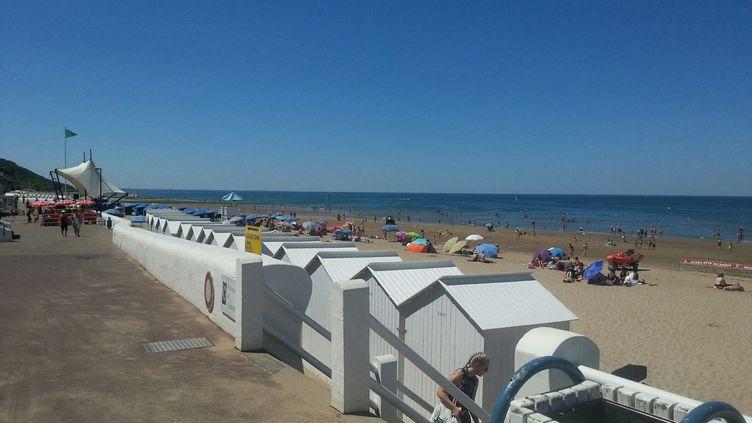 La plage de Villers-sur-Mer (Calvados) en Normandie sous le soleil.  (PHILIPPE THOMAS / FRANCE-BLEU BASSE-NORMANDIE)