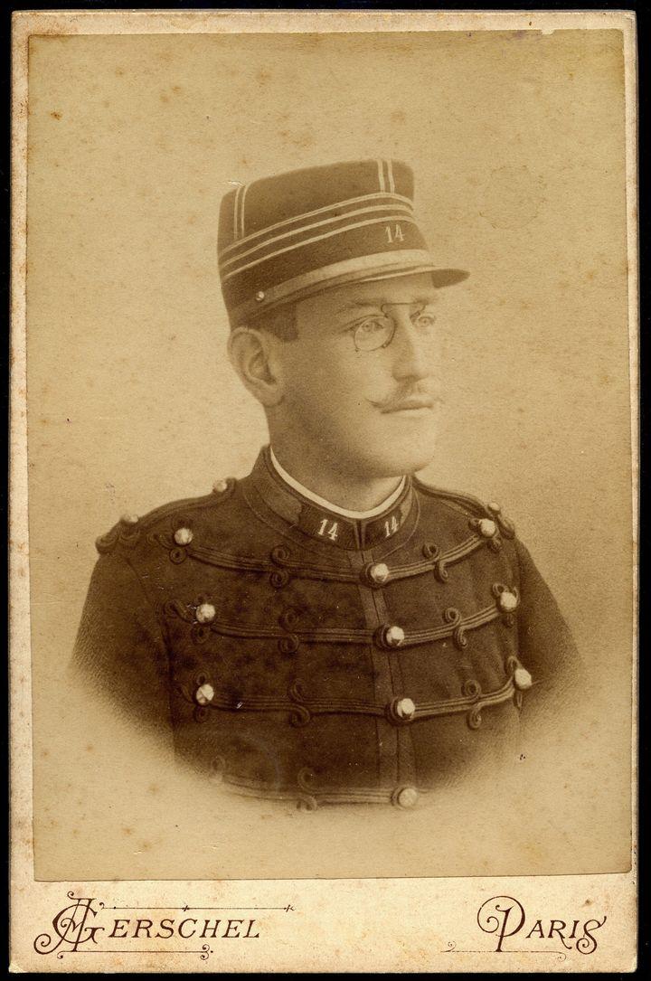 Carte postale représentant le capitaine Alfred Dreyfus  (CRÉDITLEEMAGE)
