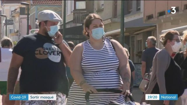 Coronavirus : de plus en plus de villes rendent obligatoire le port du masque dans les rues