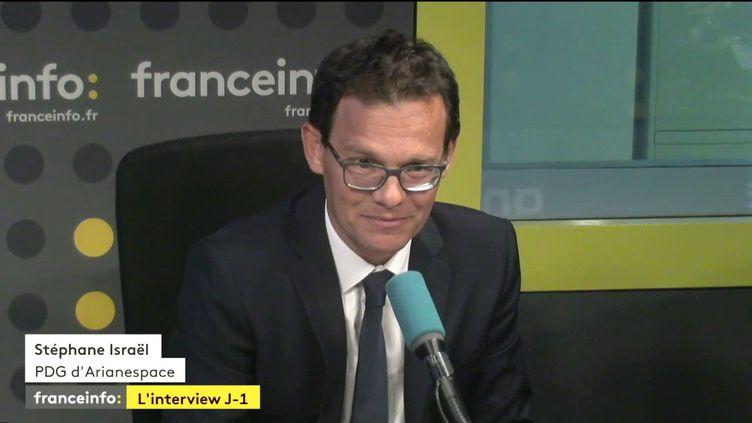 Stéphane Israël, PDG d'Arianespace, était l'invité lundi de Yaël Goosz dans L'Interview J-1. (FRANCEINFO)