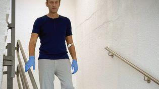 Alexeï Navalny, le 19 septembre 2020, à l'hôpital universitaire de la Charité de Berlin, en Allemagne. (INSTAGRAM / COMPTE @NAVALNY / AFP)