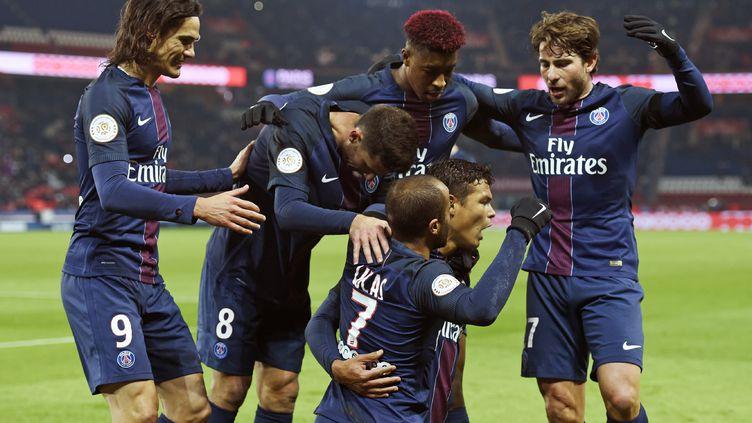 La joie des joueurs parisiens (MIGUEL MEDINA / AFP)