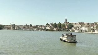 Tourisme : le canal du Midi prisé par les vacanciers. (FRANCE 2)
