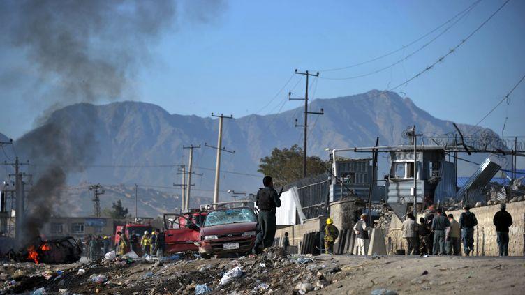 Le Green Village, une pension pour étrangers notamment, cible d'unattentat suicide à la voiture piégée des talibans, le 2 mai 2012, à Kaboul (Afghanistan). (BAY ISMOYO / AFP)
