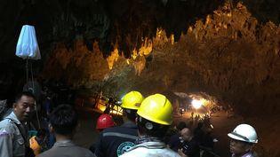 Les recherches se poursuivent le 25 juin 2018 dans la grottede Tham Luang(Thaïlande) pour trouver les adolescents et leur entraîneur de football. (REUTERS)
