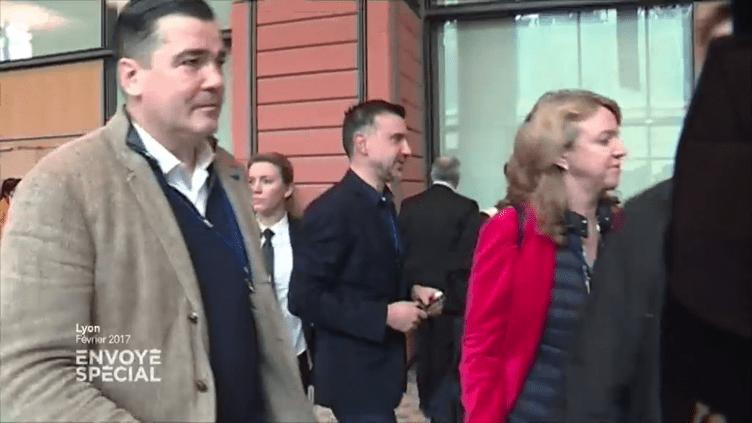 Frédéric Chatillon (à gauche), un proche de Marine Le Pen, en marge d'un meeting à Lyon, début février 2017. (ENVOYE SPECIAL / FRANCE 2)