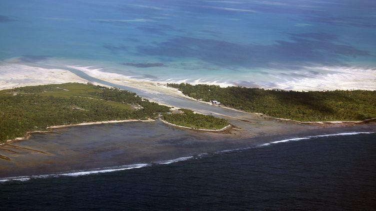 L'île de Tarawa-Nord, dans l'archipel des Kiribati, le 23 mai 2013. (DAVID GRAY / REUTERS)