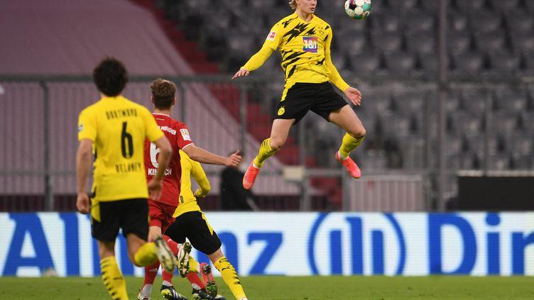 L'incroyable détente d'Erling Haaland (Borussia Dortmund) face au Bayern Munich le 6 mars 2021 (ANDREAS GEBERT / POOL)