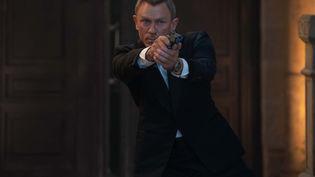 """Daniel Craig est pour une dernière fois James Bond dans """"Mourir peut attendre"""" deCary Joji Fukunaga (2021). (2021 DANJAQ, LLC AND MGM. ALL RIGHTS RESERVED)"""