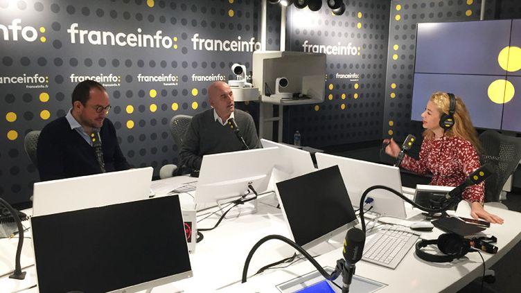Lucas Menget, directeur adjoint de la rédaction de franceinfo, Eric Valmir, secrétaire général de l'information et Emmanuelle Daviet, médiatrice des antennes. (RADIO FRANCE)