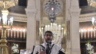 Le grand rabbin de France Rabbi Haim Korsia, le 15 novembre 2015 à la Grande synagogue de la Victoire à Paris. (LOIC VENANCE / AFP)