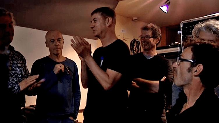 """Daho et les Nus à la fin de l'enregistrement du single """"Les années Reagan""""  (France 3 / Culturebox)"""