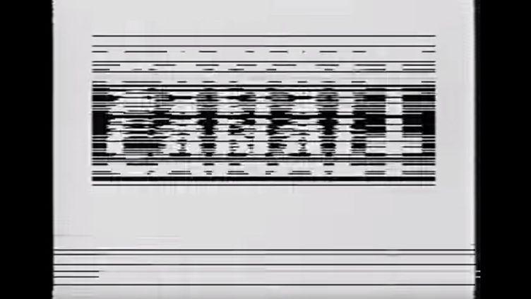 Capture d'écran du passage de Canal+ en crypté, avant que la chaîne n'opte pour un simple écran noir. ( YOUTUBE)