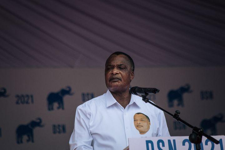 Le président congolais Denis Sassou-Nguesso lors d'un discours de campagne à Brazzaville, le 19 mars 2021. (ALEXIS HUGUET / AFP)