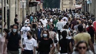 Une rue commerçante de Bordeaux (Gironde), le 5 septembre 2020. (PHILIPPE LOPEZ / AFP)