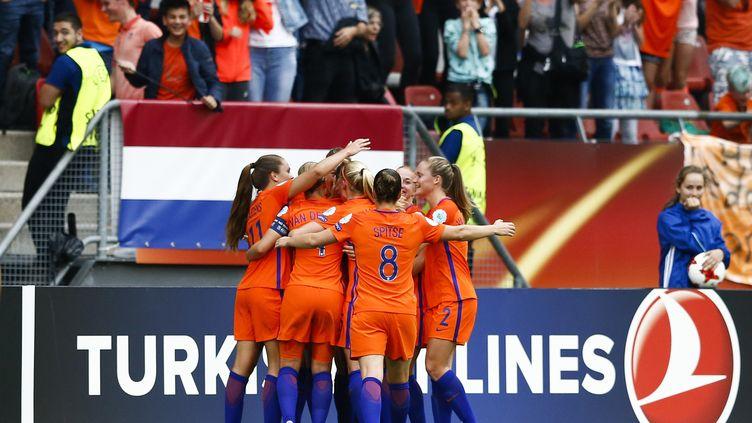 La joie des Néerlandaises après l'ouverture du score de Van de Sanden (VINCENT JANNINK / ANP)