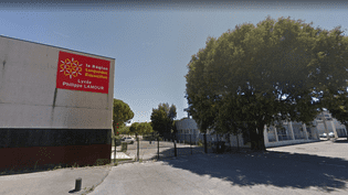 L'adolescente, âgée de 17ans, a été enlevée par ses parents et ses frères devant le lycée Philippe-Lamour de Nîmes (Gard). (GOOGLE STREET VIEW / FRANCEINFO)