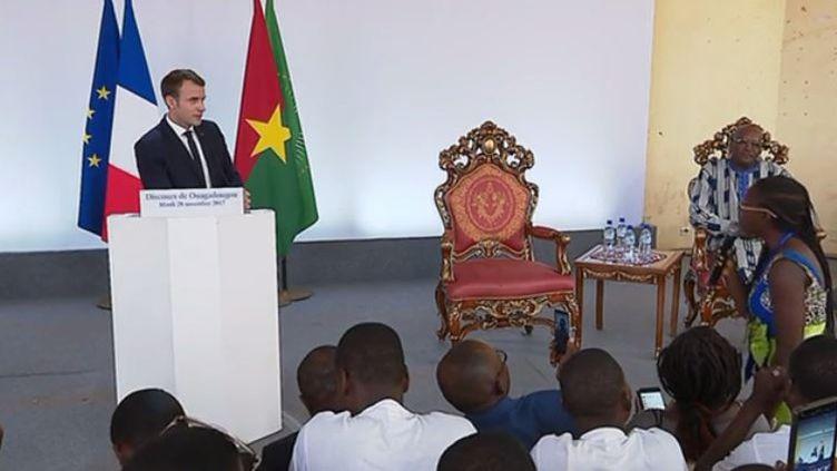 Burkina Faso : Emmanuel Macron fait polémique (FRANCEINFO)