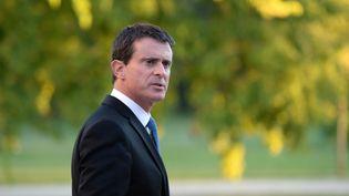 Le Premier ministre, Manuel Valls, visite le vignoble du château Luchey-Halde, à Mérignac (Gironde), le 27 octobre 2016. (NICOLAS TUCAT / AFP)