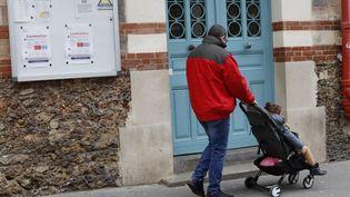 Une école à Paris pendant l'épidémie de coronavirus, le 8 mars 2020. (MEHDI TAAMALLAH / NURPHOTO)