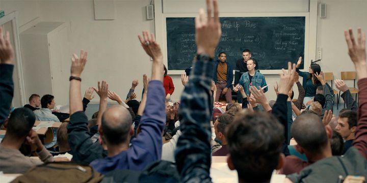 """Arnaud Valois, Nahuel Perez Biscayart dans """"120 battements par minute' de Robin Campillo  (Les films de Pierre / France 3 Cinéma)"""