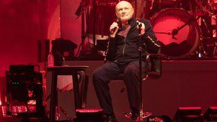 Phil Collins sur scène avec son groupe Genesis, le 7 octobre 2021 à Glasgow (Ecosse) dans le cadre du The Last Domino Tour. (ROBERTO RICCIUTI / REDFERNS/ GETTY)