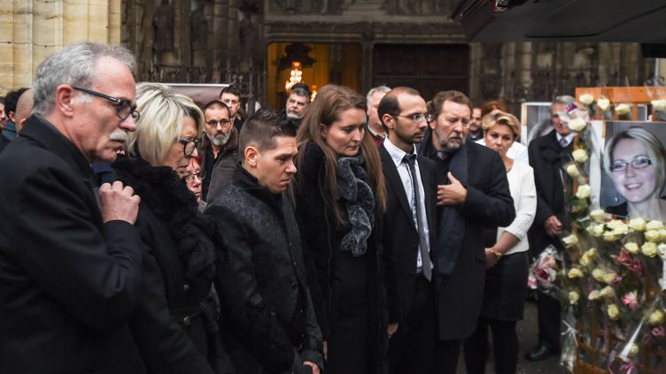 Jonathann Daval, Stéphanie et Grégory Gay, lors des funérailles d'Alexia Daval, le 8 novembre 2017 à Gray (Haute-Saône). (SEBASTIEN BOZON / AFP)