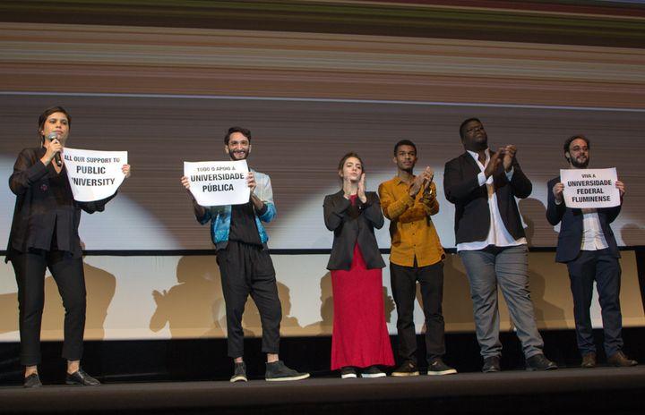 L'équipe du Film : de gauche à droite, la réalisatrice Alice Furtado, les interprètes Luiza Kosovski, Juan Paiva et Digao Ribeiro (Jean-François Lixon)