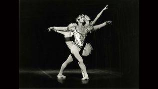 Rudolf Noureev et Noëlla Pontois, Acte des Ombres de La Bayadère. Palais Garnier, 1974.  (André Chino)