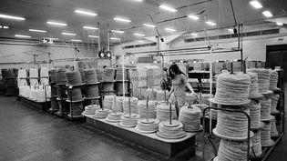 Phildar, une société historique du nord de la France.Photo de l'usinede Roubaix, le 27 novembre 1973, à l'époque la plus grosse fabrique de pelotes de laines du monde. (- / AFP)