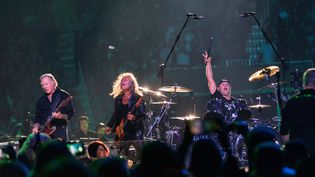 James Hetfield, Kirk Hammett et Lars Ulrich de Metallica en concertavec le San Francisco Symphony au Chase Center de San Francisco (Etats-Unis), le 6 septembre 2019. (GREG CHOW/REX/SIPA / SHUTTERSTOCK)