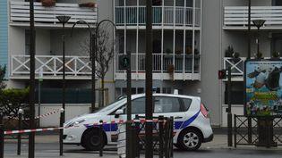 Un véritable arsenal a été découvert lors de l'opération de police menée le 24 mars à Argenteuil (Val-d'Oise) au domicile de Reda Kriket. (ALPHA CIT / CITIZENSIDE / AFP)