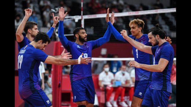 La France et la Pologne ont livré un match d'anthologie à Tokyo à l'occasion des quarts de finale du tournoi olympique. Les Bleus renversent aux forceps les Champions du monde en titre. Les hommes de Laurent Tillie se hissent pour le première fois en demi-finale de l'épreuve.
