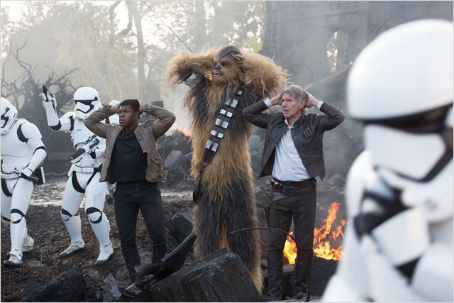 "Finn, Chewbacca et Han Solo dans ""Star Wars 7""  (Lucasfilm Ltd. & TM. All Right Reserved)"