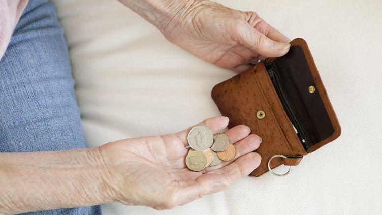 L'Assemblée nationale a voté, jeudi 12 novembre 2015, le maintien des exonérations d'impôts locaux pour certains retraités modestes en 2015 et 2016. (CLARISSA LEAHY / CULTURA CREATIVE / AFP)