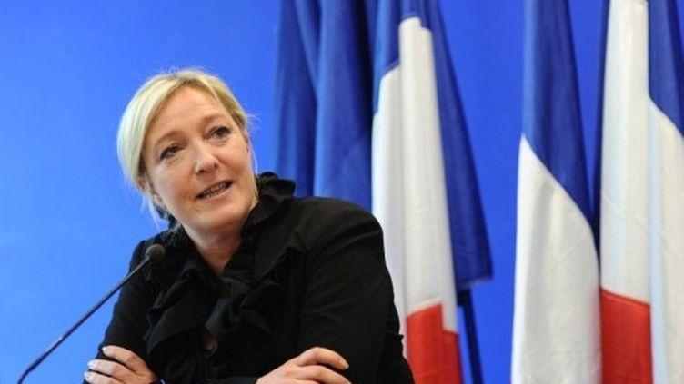 Marine Le Pen donne une conférence de presse au siège du Front National, à Nanterre, le 13 avril 2011. (AFP - Miguel Medina)
