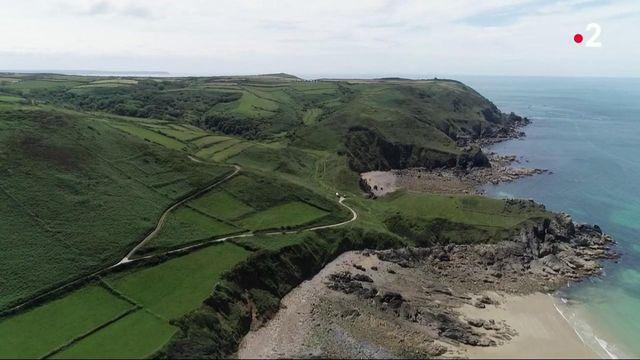 Manche : voyage en van à la découverte de la presqu'île du Cotentin, sauvage et bucolique