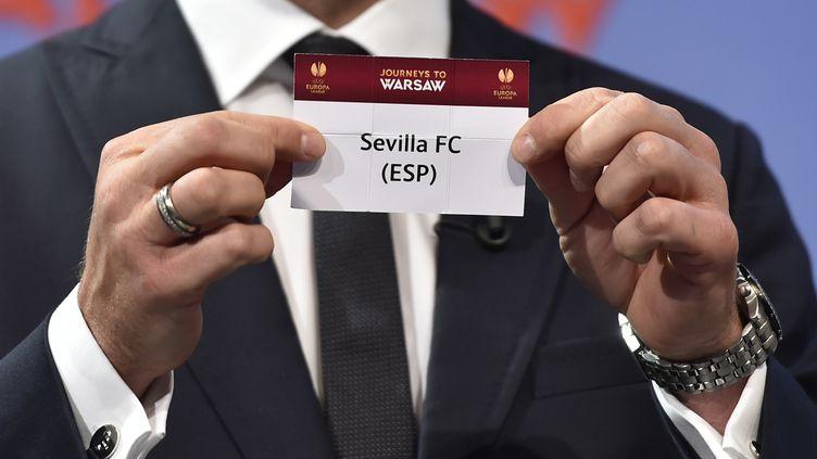 Après avoir battu le Zénith Saint-Pétersbourg, Séville devra se défaire de la Fiorentina  (FABRICE COFFRINI / AFP)