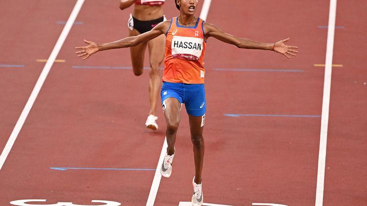 La Néerlandaise Sifan Hassan, sacrée championne olympique du 10 000 m aux Jeux de Tokyo. (INA FASSBENDER / AFP)