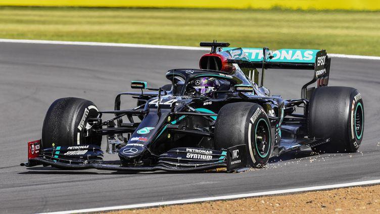 Lewis Hamilton, pilote Mercedes-AMG Petronas, sur le circuit de Silverstone. (DPPI / DPPI MEDIA)
