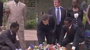Nicolas Sarkozy au Rwanda rend hommage aux victimes du génocide (France 3)