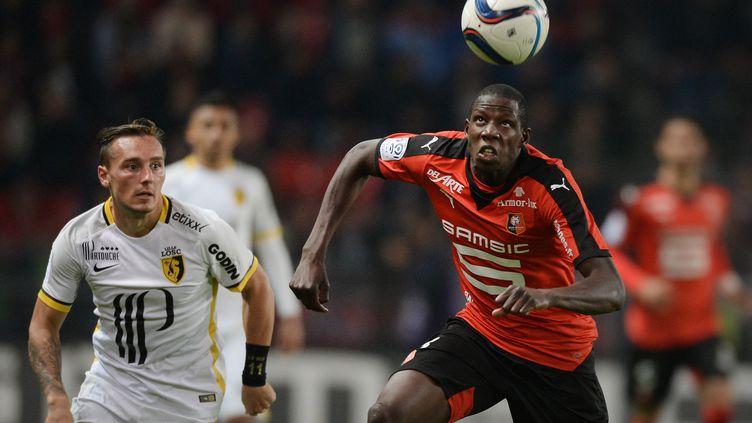 Abdoulaye Doucouré face à Eric Bauthéac lors de Rennes-Lille. (JEAN-SEBASTIEN EVRARD / AFP)