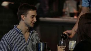 Coronavirus : les pubs britanniques contraints de fermer à 22 heures (FRANCE 2)
