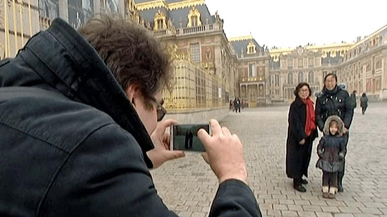 Photos-souvenirs à Versailles, le nouveau projet numérique et interactif du château  (France 3 / Culturebox)
