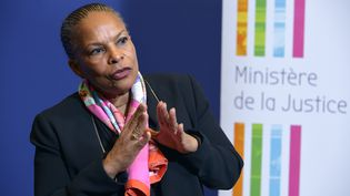 La ministre de la Justice, Christiane Taubira, le 15 décembre 2015 à Paris. (ERIC PIERMONT / AFP)