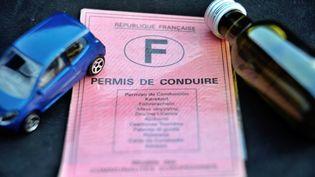 Le ministère de la Justice envisage de ne plus considérer le défaut de permis de conduire comme un délit. (PHILIPPE HUGUEN / AFP)