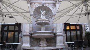La cour de La Fontaine Gaillon, rue de la Michodière, dans le 2e arrondissement de Paris. (LOUIS SAN / FRANCETV INFO)